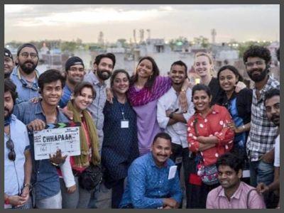 छपाक : दिल्ली शेड्यूल की शूटिंग समाप्त, पूरी टीम के साथ नजर आई दीपिका