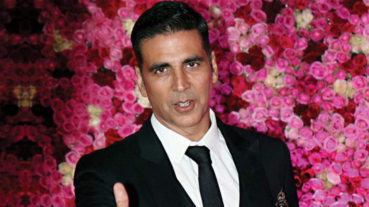 Akshay Kumar charges a whopping amount of Rs 54 crore; sets Bollywood on fire!