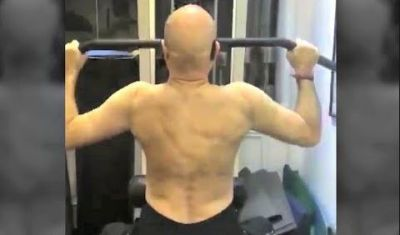 Video: This actor was doing a workout while chanting Shiv Mantra!