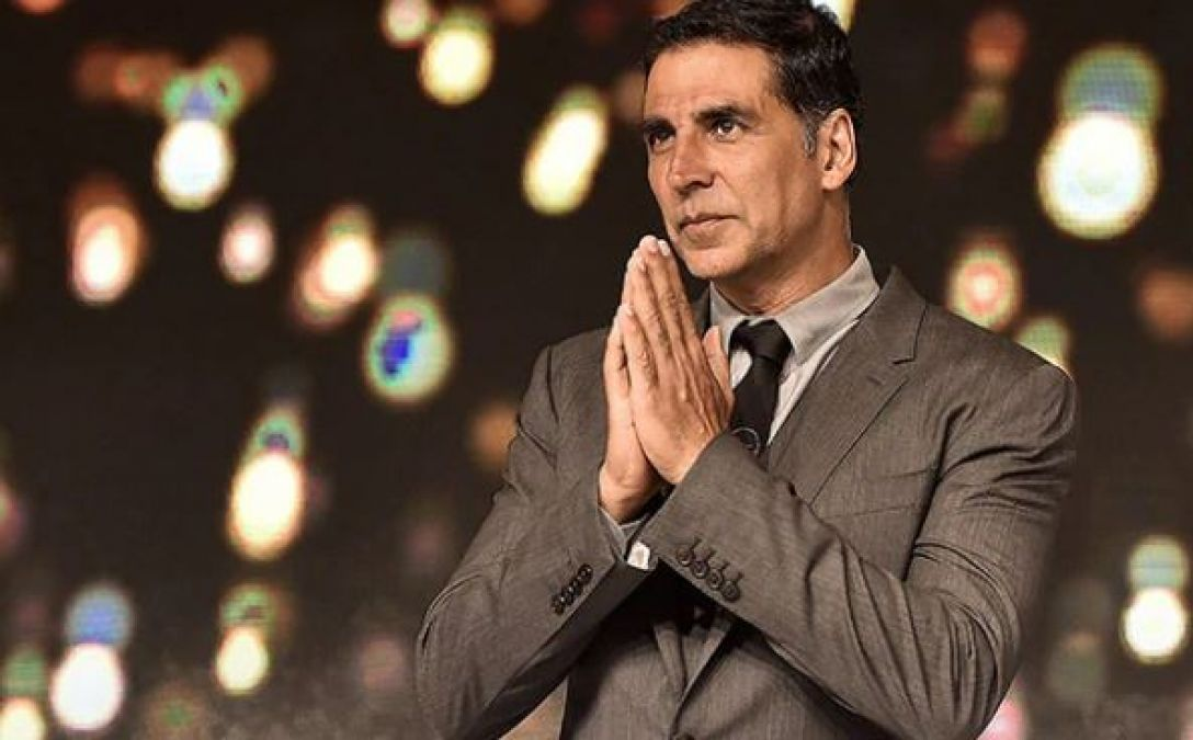 Akshay Kumar is requesting from Bollywood Stars for this work!