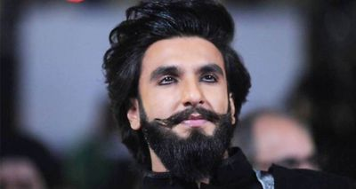 VIDEO: Ranveer Singh seen on streets of London with fans, huge crowds gather around!