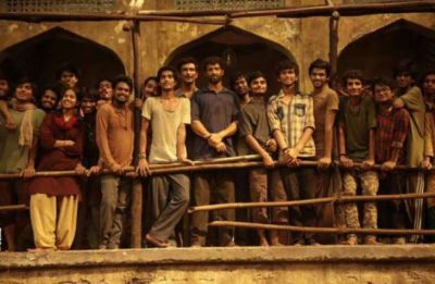 Along with Earnings, super-30 grabs its first achievement, the first Bollywood movie to do so!