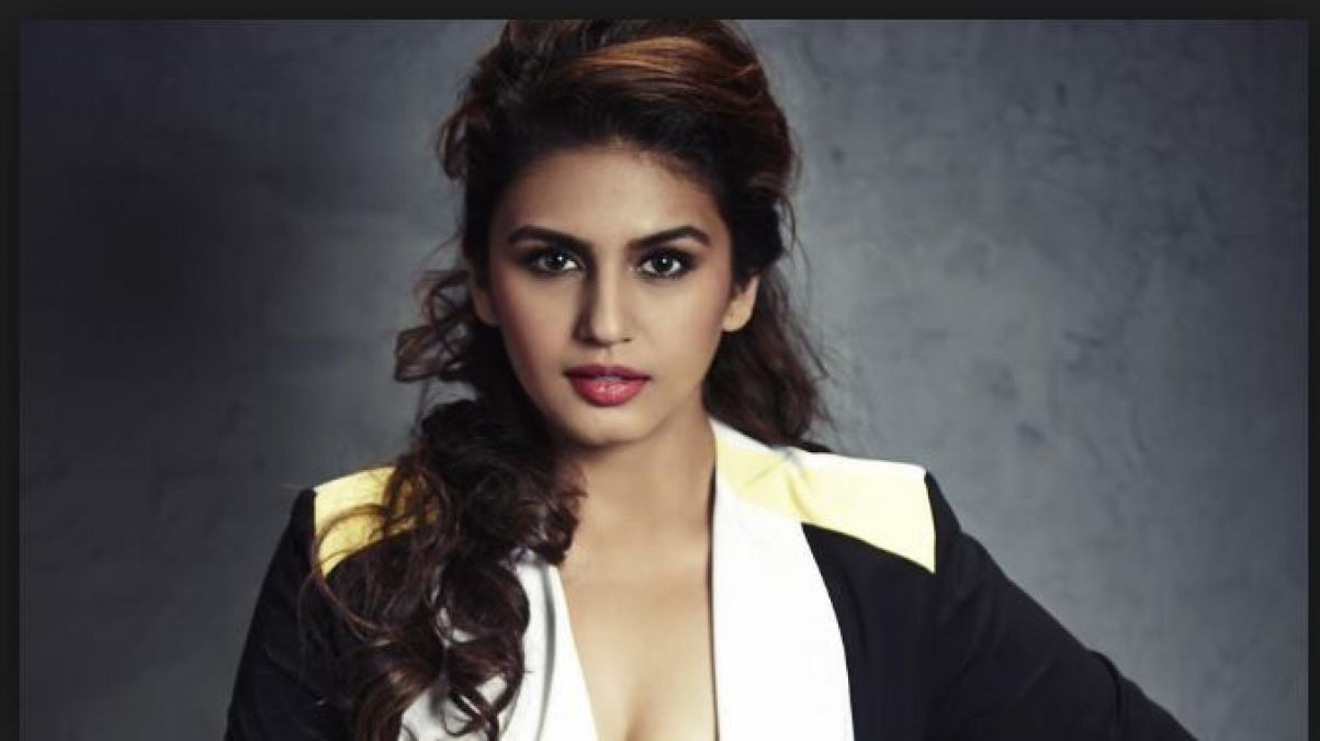 Huma Qureshi's tweet on Article 370 said,