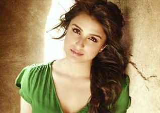 Flop films made Parineeti money-obsessed, was in depression!