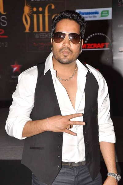 Mika Singh targets stars without naming in fake follower case