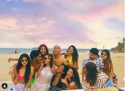 Video: Jacqueline Fernandes was seen drinking champagne with her friends on her birthday!
