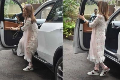 Suzanne, who arrived at Hrithik's Nana's house to mourn, was accompanied by her uncle-in-law