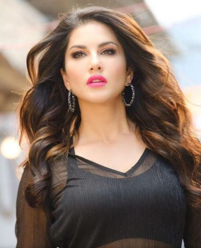 Sunny Leone overtakes Salman-Shahrukh and PM Modi in this work!