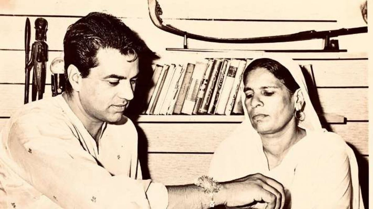 This sister had ever given Dharmendra a place to live in, made emotional post on Rakhi