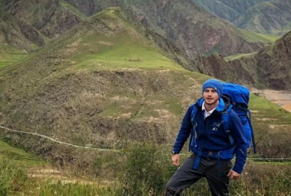 28-year-old Ash, the world's first man to perform this feat, crosses a 6400 KM river