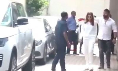 VIDEO: When Alia's bodyguard stopped a fan to take a selfie; the actress gave a funny reaction!