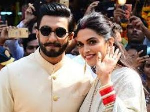 Deepika seen dancing on Insta, husband Ranvir win hearts with his comment