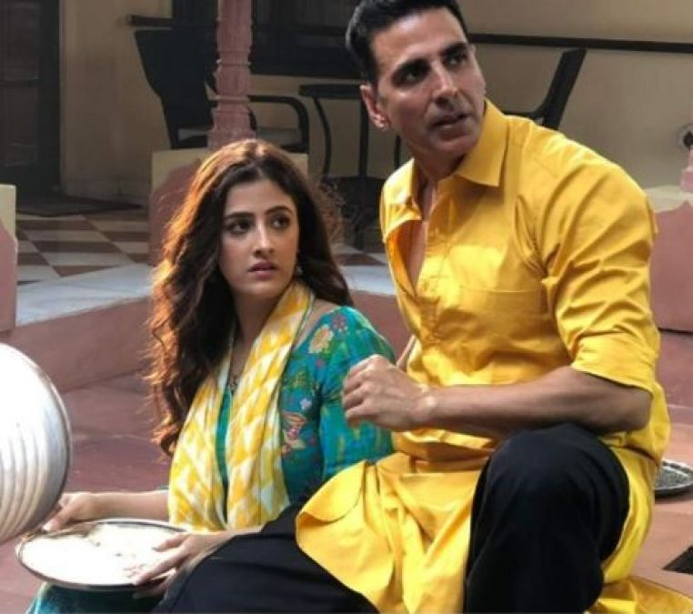 So now Kriti Sanon's sister to romance with Akshay Kumar!