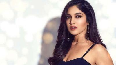 See Bhumi Pednekar's Gorgeous Look, Looks Quite Hot!