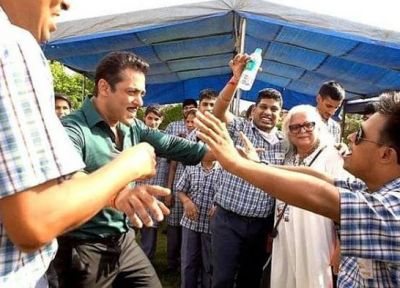 Dabang 3: Salman did this thing with children on set, danced fiercely!