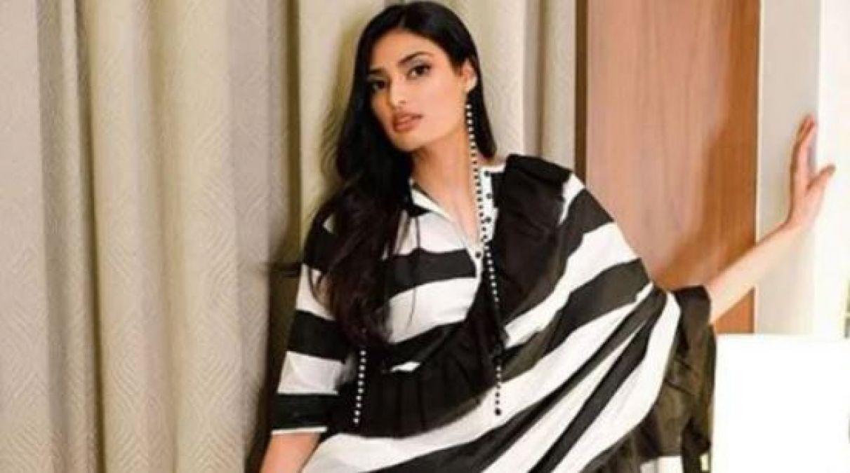 सुनील शेट्टी की बेटी ने खोला घर का बड़ा राज, कहा- कोई भी एक-दूसरे को...'