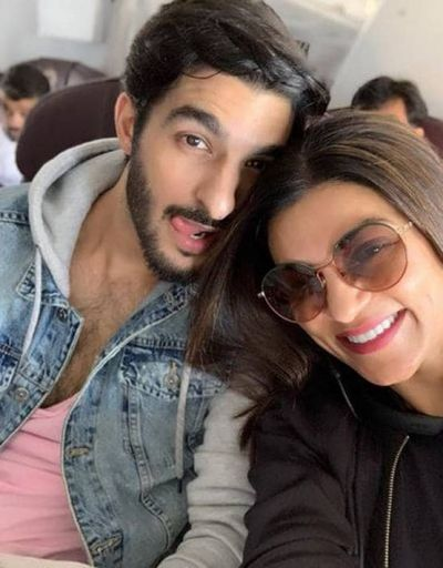 Sushmita congratulates her boyfriend, shares romantic photos!