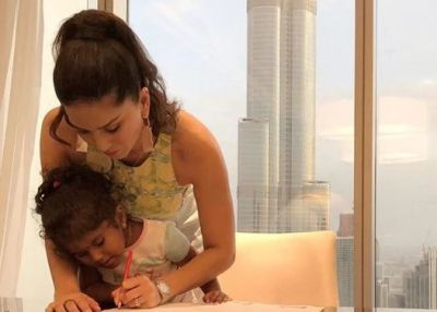 Sunny Leone performed her responsibility of being a mother, this Photo is a Proof!