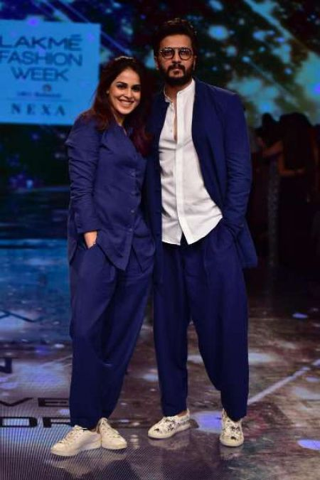 LFW 2019: Genelia-Ritesh's Matching Outfit robs limelight, See their Ravishing Style!