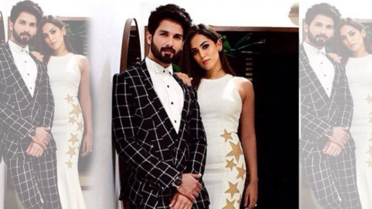 Shahid was looking quite romantic with Wife at Lakme Fashion Week