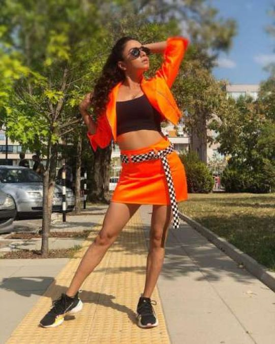 This actress showed her killer looks to her fans in mini skirts on the streets of Bulgaria, see here!