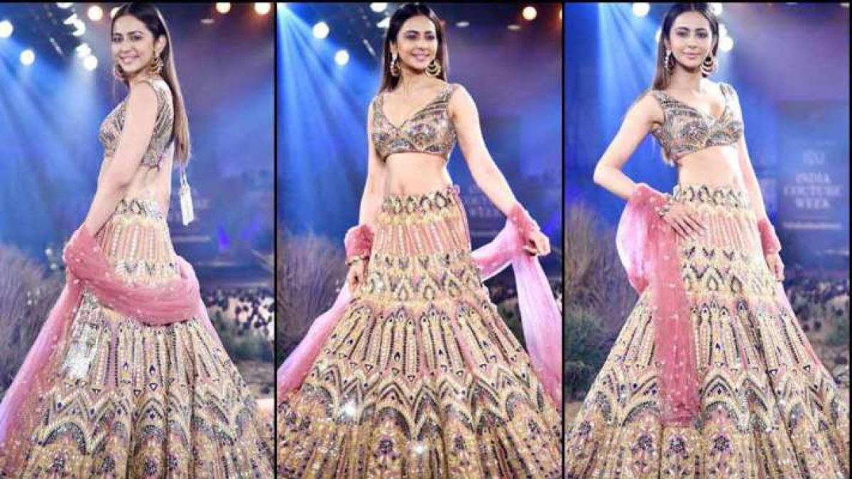 LFW 2019: Rakul Preet Looked Extremely Hot On The Ramp In This Beautiful Dress