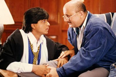 Shah Rukh Speaks 'Daddy' on Anupam's Wedding Anniversary, Got Funny Answers