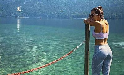 Arjun-Malaika posted photographs from the same location, got pulled by Bollywood artists!
