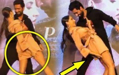 Video : विक्की संग डांस करने में नोरा की ड्रेस ने दिया धोखा..