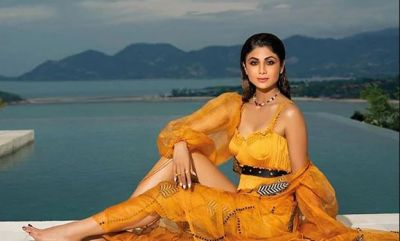 Actress Shilpa Shetty on Modi's Way, Shares VIDEO of Something!