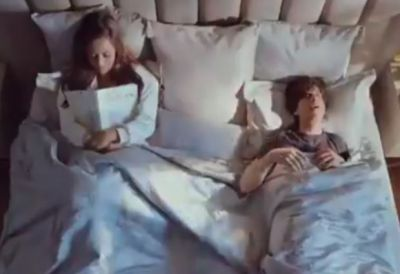 Shahrukh-Gauri's bed video goes viral, check out romantic video here