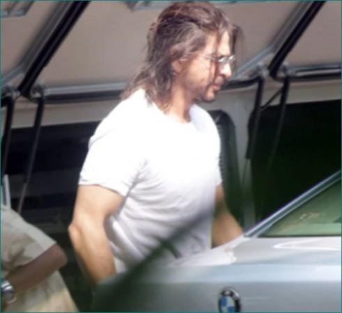 अपनी तस्वीर शेयर कर शाहरुख़ खान ने फैंस को दी बड़ी खुशखबरी