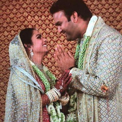 प्रियंका और दीपिका को पीछे छोड़ ईशा अंबानी बनी सबसे खूबसूरत दुल्हन, देखते ही पति आनंद ने जोड़ लिए हाथ