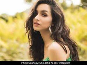 Shraddha Kapoor shares old picture on parents' wedding anniversary