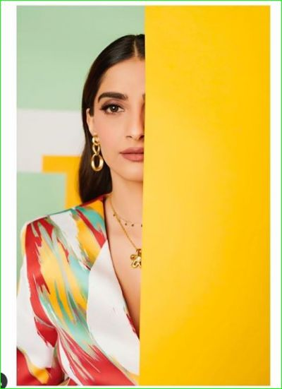 Sonam Kapoor Ahuja seen showing her sexy look in a colorful dress