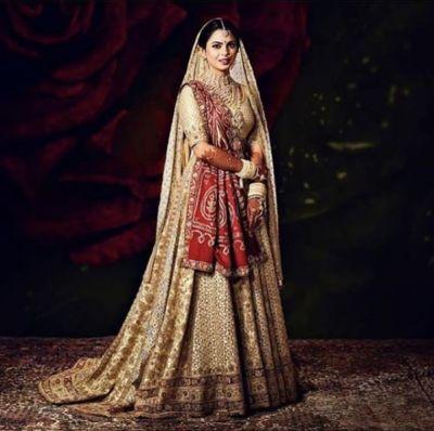 अपनी शादी में ईशा अंबानी ने पहनी पुराने ज़माने की साड़ी, इस तरह दिखीं