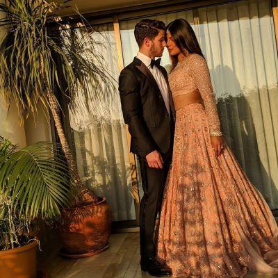ईशा अंबानी की शादी में निक-प्रियंका हुए रोमांटिक, वीडियो वायरल