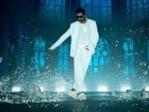 Prabhu Deva's dance moves are much better than Varun in Street Dancer 3D combat song