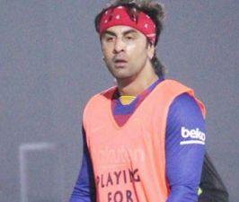 Ranbir Kapoor injured while playing football, video is going viral