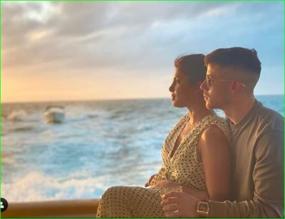 Priyanka became romantic with husband, shares beautiful photos