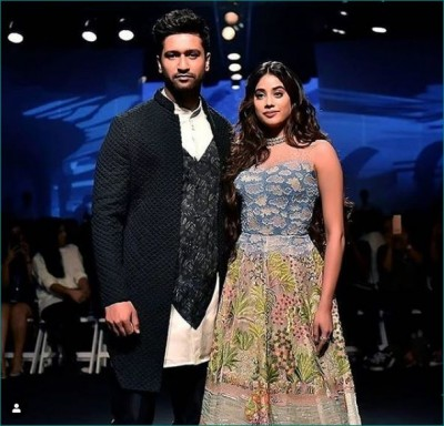 Vicky Kaushal and Janhvi Kapoor appears in this style on the first day of Lakme Fashion Week