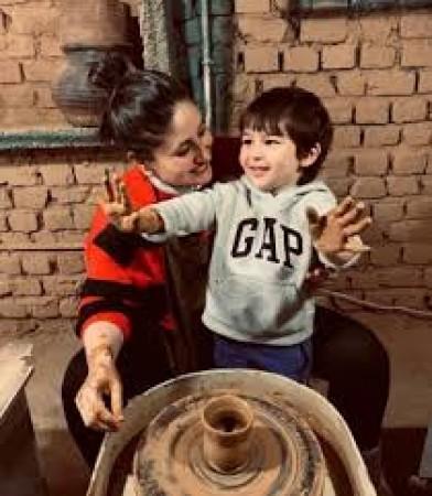 माँ करीना जैसे हैं तैमूर अली खान, योगा करते हुए तस्वीर वायरल