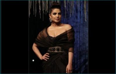 Desi girl Priyanka Chopra looks gorgeous in Blenders Pride Fashion Tour 2020