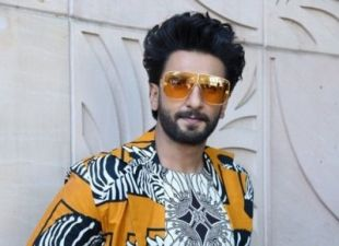 This actor will become Ranveer Singh's father in Jayeshbhai Zordaar, says-