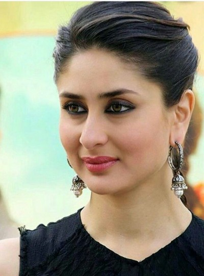 Kareena captions first glimpse of new house 'Door to new beginnings'