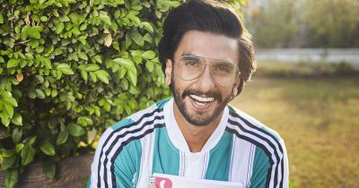 Ranveer Singh arrives in Gujarat for shooting of film, seen riding on a scooter