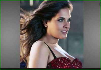 Video: Richa Chadda seen doing such work on roadside, fans praised