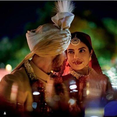 प्रियंका-निक ने शादी में इस तरह किया था एन्जॉय, नई तस्वीरें आई सामने