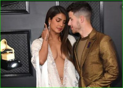 Priyanka's dress open from neck to navel, trollers says