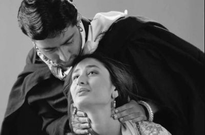 When Abhishek sang Kareena's sweat to give a romantic scene, she said,